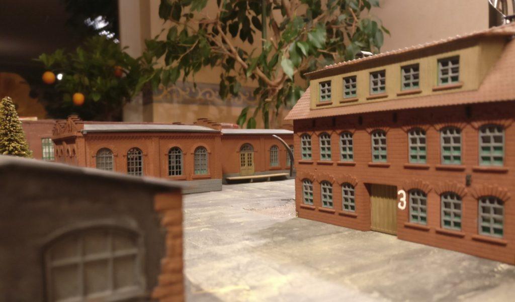 """Blick auf die Lagerhallen im Industriekomplex """"Wladimir Iljitsch Lenin"""" auf der Spielplatte für Poor Bloody Infantry"""