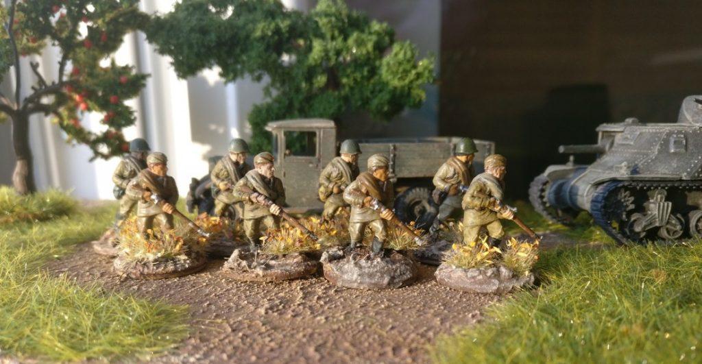 Acht Rifles des 77. Schützenregiment der 26. Schützendivision