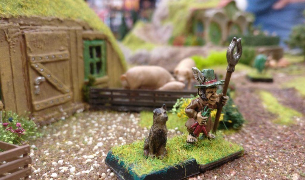 Spieltisch Dragon Rampant und die  Halblinge auf der 1. Hammerzeit auf dem  6. Rhein Main Multiversum des Tabletop Club Rhein-Main e.V. in Nidderau[