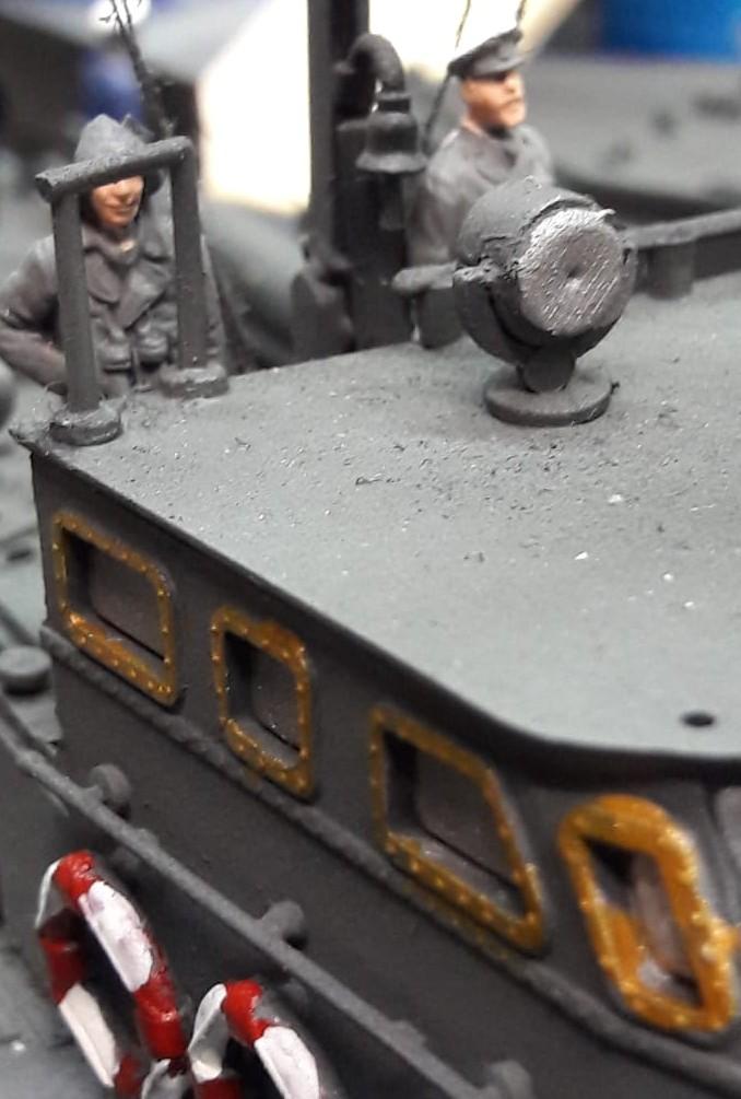 Die Figuren für Revell 05002 Deutsches Schnellboot S100 und Revell 05084 British Vosper M.T.B. bringt Josef demnächst auch auf den Maltisch.