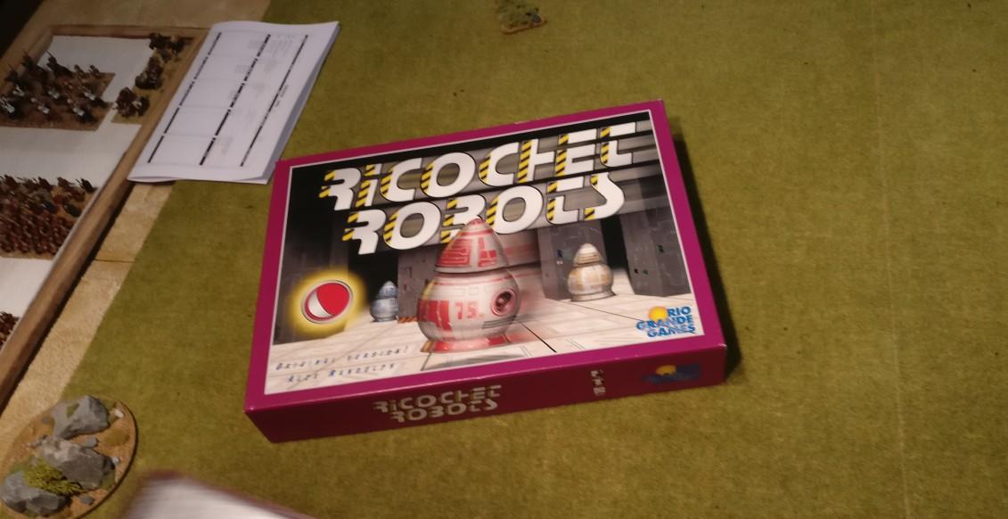 """""""Ricochet Robots"""" / """"Rasende Roboter"""" ist der Name eines Brettspieles von Alex Randolph. Das Spiel erschien in Deutschland 1999 beim Hans im Glück Verlag."""