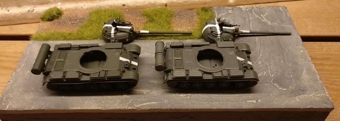 Die beiden De Agostini T-55 A (Die Panzersammlung) im Rohzustand. Noch sind sie unbehandelt. Die Türme habe ich bereits abgenommen.