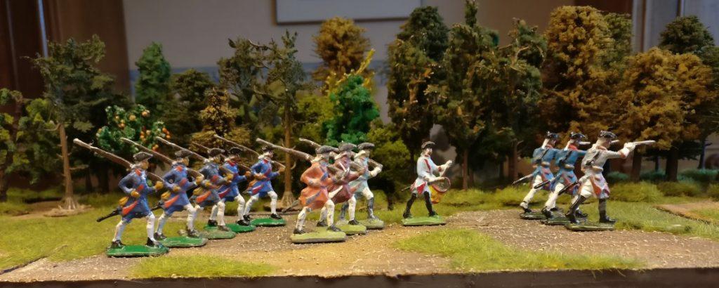 Gruppe Zinnfiguren #3 von Nürnberger Meisterzinn: 12 Grenadiere, marschierend und stehend.
