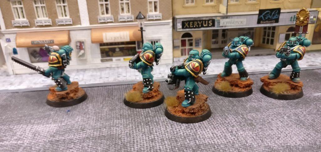 Auf Patrouille hinter der Kunstakademie. Die Space Marines schreiten wachsam voran.