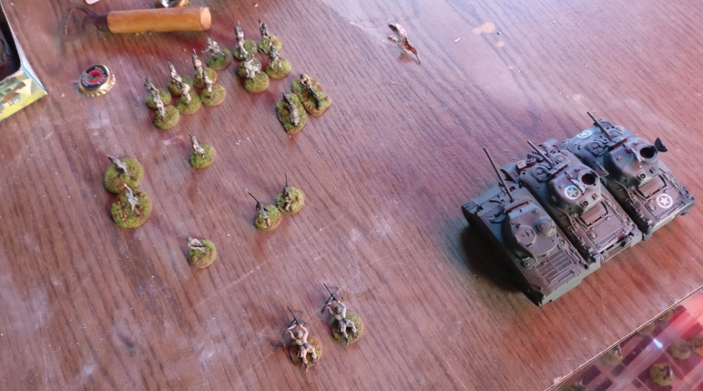 Off-Table stehen weitere Truppen einsatzbereit.