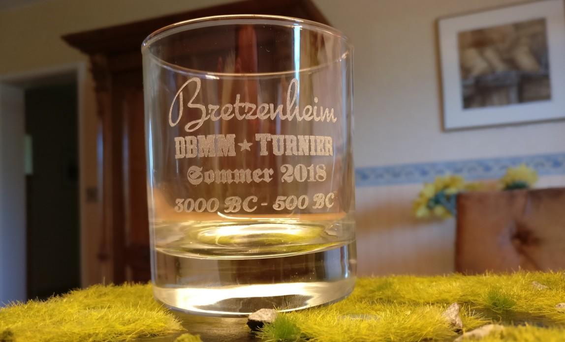 Hier isses, das Turnier-Glas. @Home habe ich es gleich mal  abgelichtet.