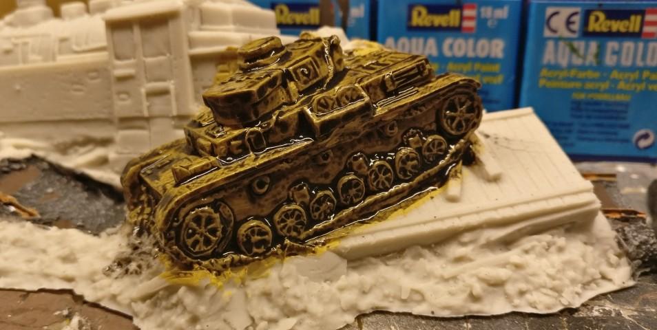 Der Panzer IV mit den sieben Laufrollen und den zwei Farben aus der Nähe