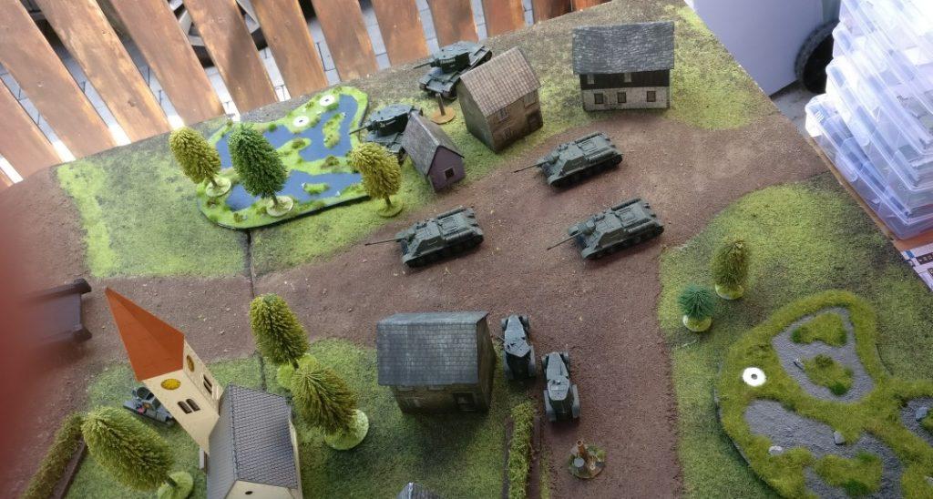 Die roten Tanks in der Bereitstellung.