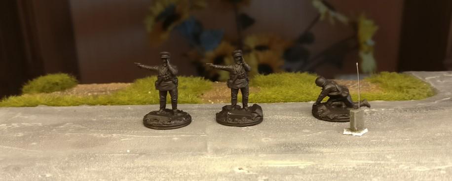 Ein wenig Beifang ist immer mit dabei. Führungskräfte für die 26. Schützendivision. Der Kader nimmt langsam überhand...