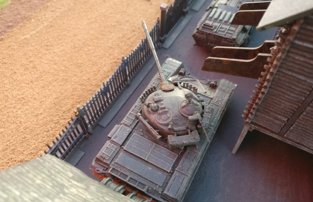 """T-55, T-72 und BTR-80 aus Minsk. Umland-Fotos aus Eisenstadt (Industrieviertel """"Tiefst"""")"""
