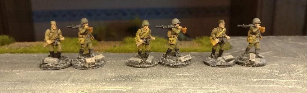 Bei den NKWD-Fritzen sind derzeit noch keine Ludmillas eingesetzt. Habe noch paar unbemalte. Wäre natürlich ne Idee...