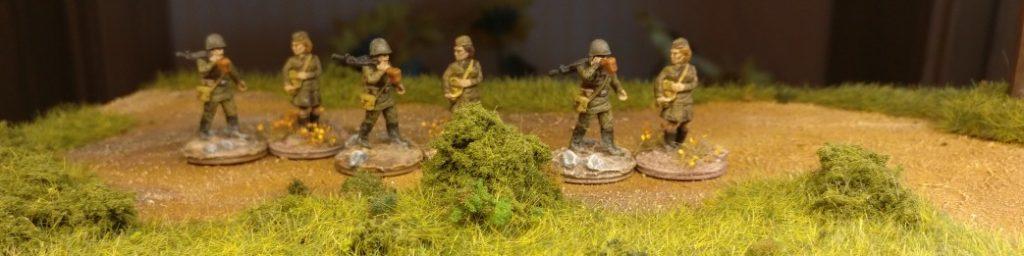 Hier finden sich die MG-Träger mit den hilfsbereiten Ludmillas wieder. Ein stimmiges Bild.