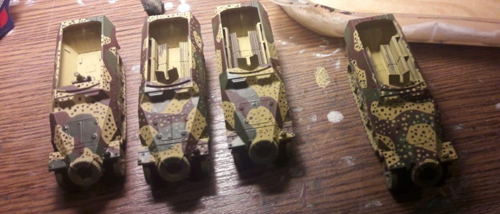 Und Schützenpanzerwagen. 251er kann man eigentlich nie genug haben.