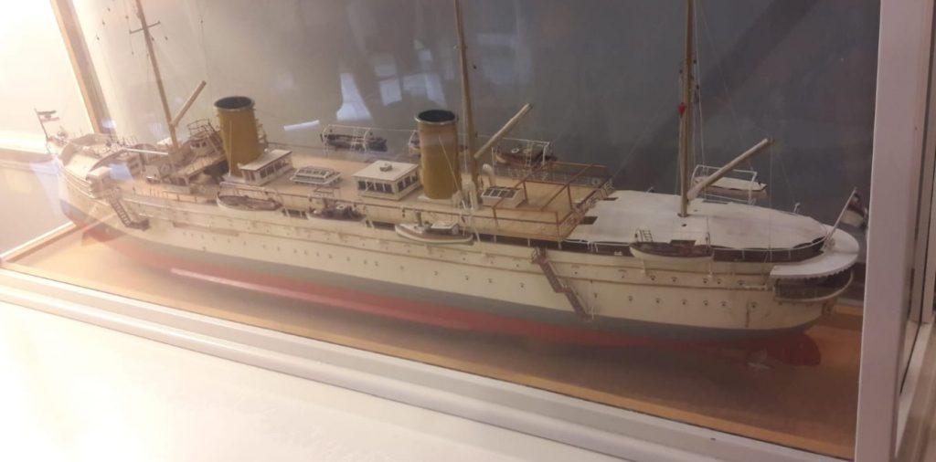 Ein Schiff aus Kaisers Zeit Im Achilles-Museum auf Korfu.