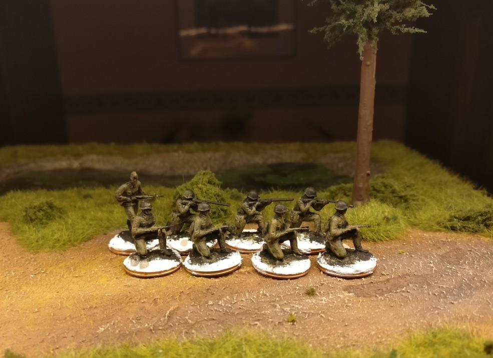 Einige begleitende Schützen für das Offizierskorps der 10. NKWD Division