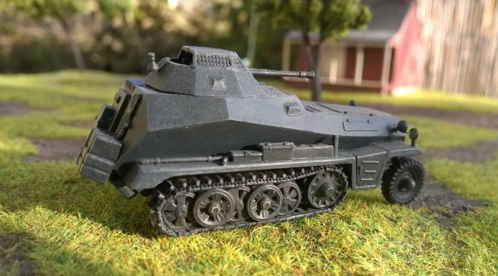 Ein leichter Schützenpanzerwagen Sd.Kfz. 250 mit 2cm-Maschinenkanone? Kommt sicher gut. Brauchen wir.