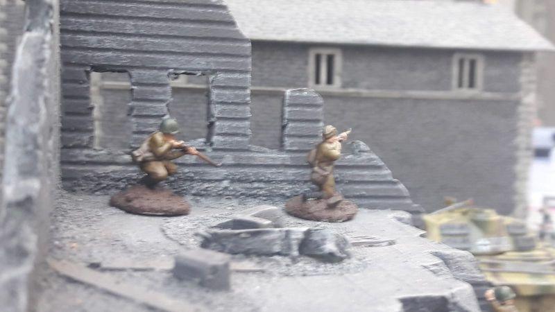 Zwo russische Heckenschützen! Vorsicht!