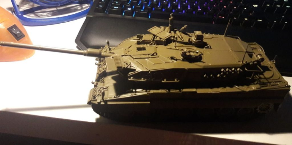 Der letzte Leopard 2 A6 muss dem Modell T-70 weichen. Die Produktion in der Außenstelle 2 der Spessartwerke wird wieder auf T-70 umgestellt.