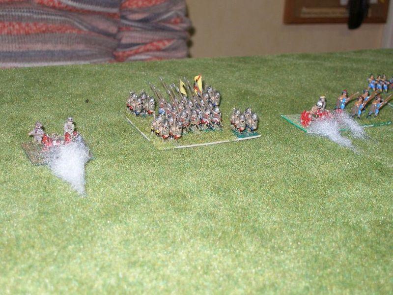 Doch bald ist es mit der Ruhe vorbei.  Die spanischen Kürassiere werfen sich wild angreifender Litauischer Pethyhorzy und Flügelhusaren entgegen..