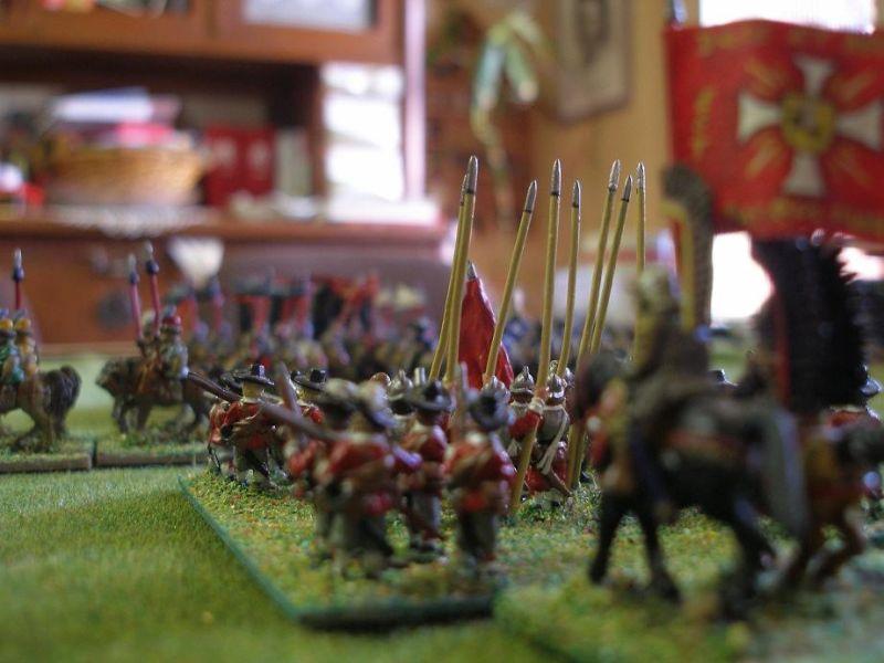 Nachdem das spanische Zentrum durch deckendes Feuer der Hayducken zurückweicht, beginnt das polnische Zentrum zu schwenken.