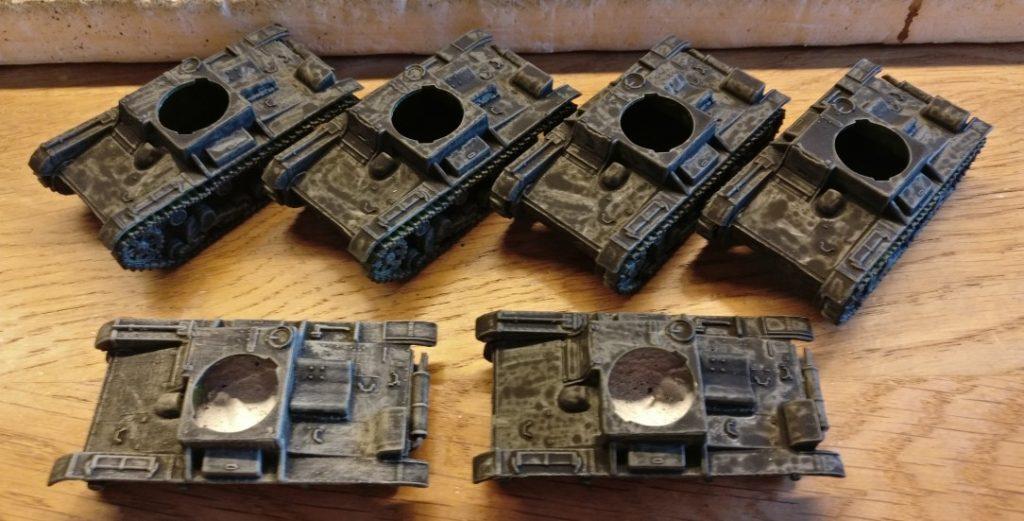 Hier sind alle sechs der Pegasus T-26 mit dem Black Wash behandelt.