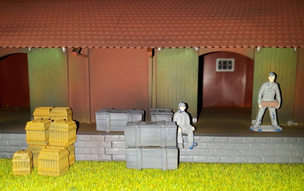 Josef hat der Stützpunktkommandantur Gelder bewilligt, die Lagerkapazitäten auszubauen.