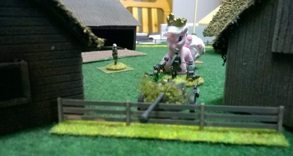 Das Einhorn als Richtschütze und es kommt kein T-34 mehr durch.