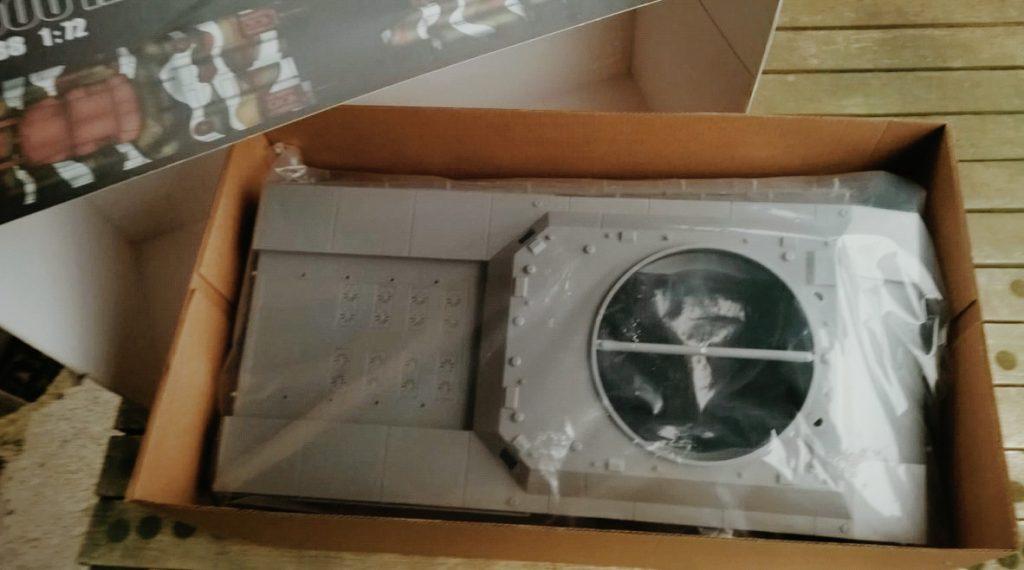Da kriegt man was fürs Geld.  WWII German Landkreuzer P1000 Ratte, von Modelcollect ArtNr. UA72088
