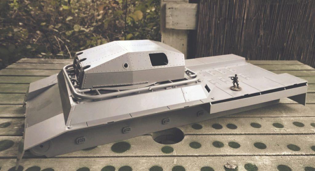 Der Landkreuzer von schräg oben. WWII German Landkreuzer P1000 Ratte, von Modelcollect ArtNr. UA72088