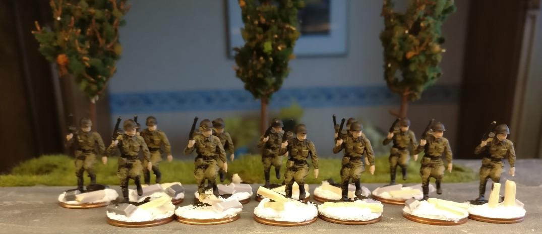 Auftrag der Hautfarbe bei den Minis des Revell Set 02510 Soviet Infantry