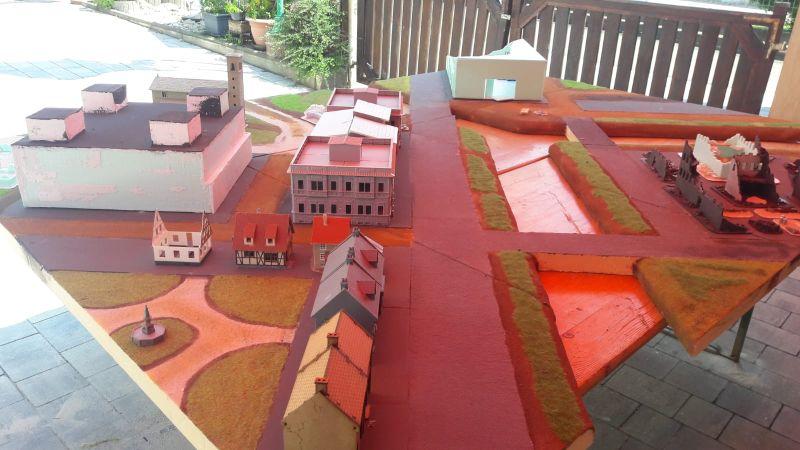 Wie man erkennen kann, wurde die Beabuung bzw. die Platzierung der Gebäude auf der Grundfläche von Eisenstadt des Öfteren geändert.