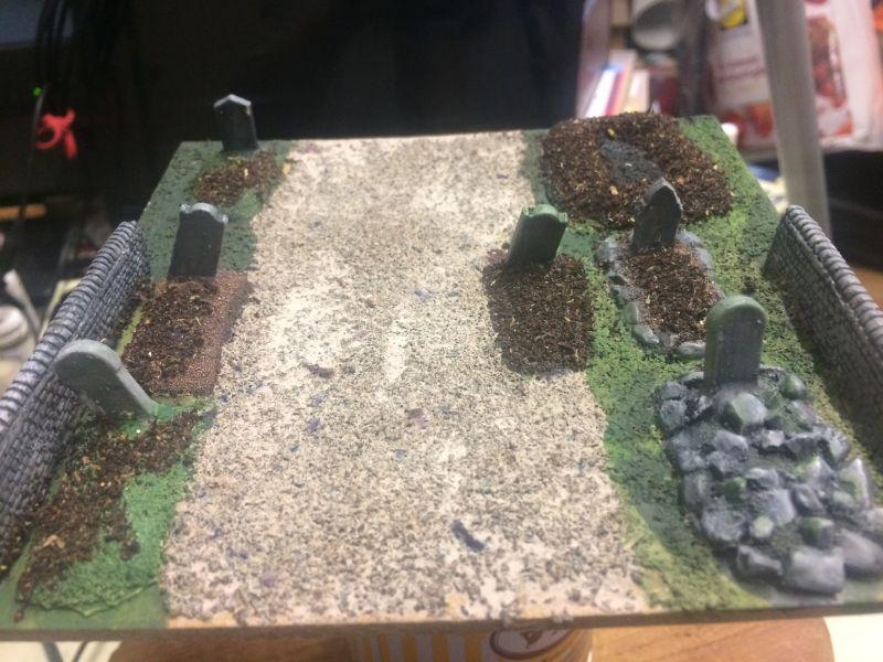 Der Weg zwischen den Grabreihen. Ein Friedhof als Battlefield Scenery im Maßstab 1:100 / 15mm von XENA
