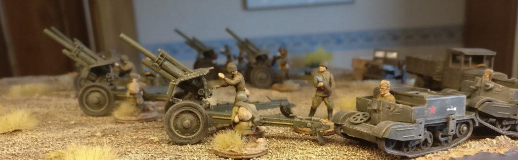 Ein wenig Gerät hat sich um die fünf Zvezda 6122 Soviet Howitzer 122mm M-30 auch noch angesammelt.