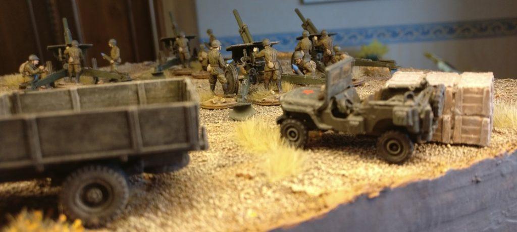 Die Lkw kommen kaum noch nach mit Munition ankarren. Die fünf Zvezda 6122 Soviet Howitzer 122mm M-30 haben einen ordentlichen Verbrauch.