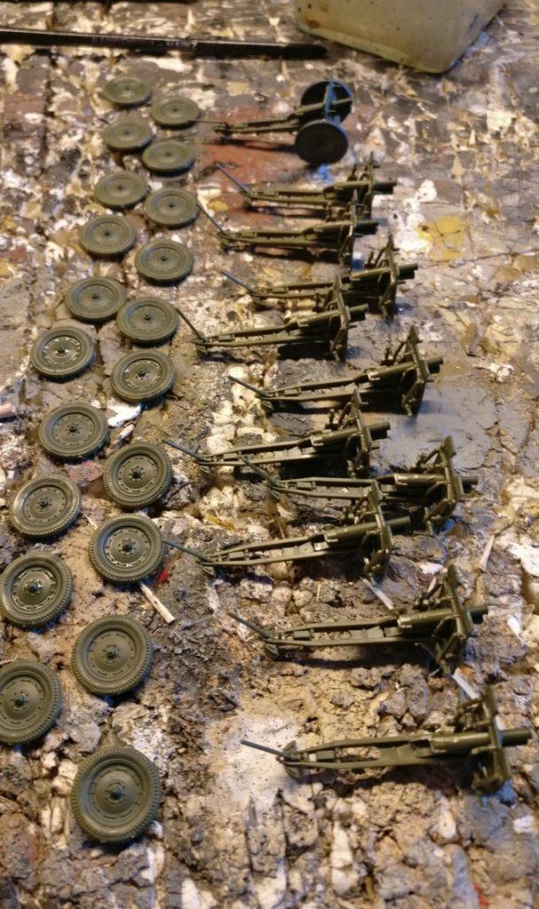 Vorbereitung von Bemalung und Endmontage der 76mmm Gun von Zvezda.