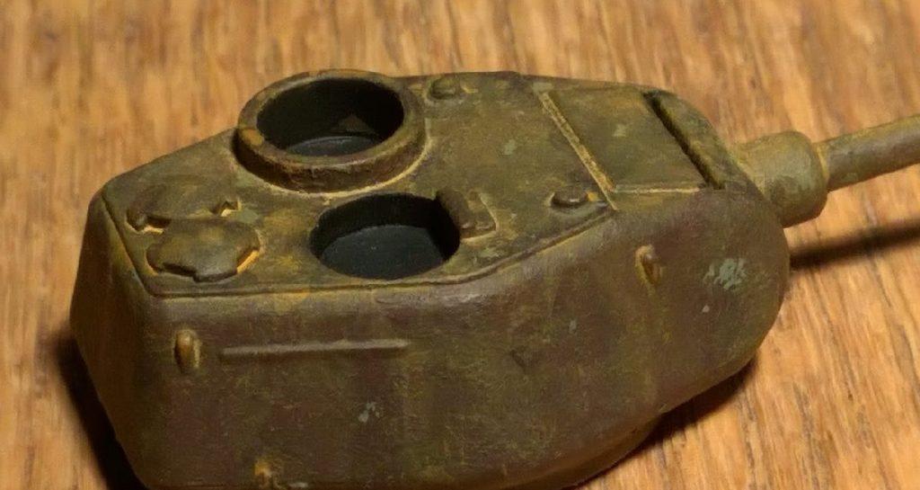 Der Panzerturm eines T-34/85 von Plastic Soldier Company, vom Doncolor gealtert. Wheathering nennen  das ja die Freaks.