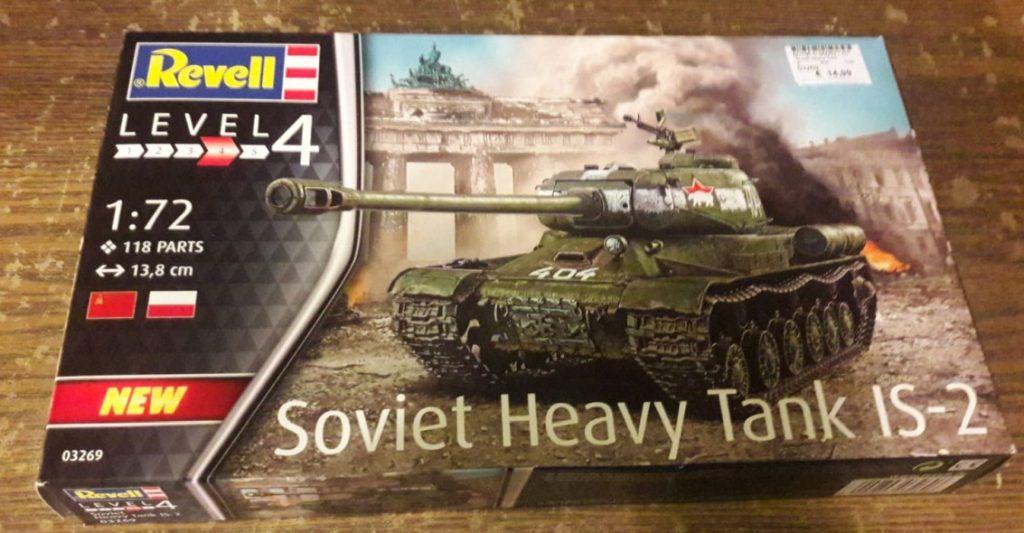 Der noch völlig un-unboxte Revell 03269 Soviet Heavy Tank IS-2 vom Dominic.