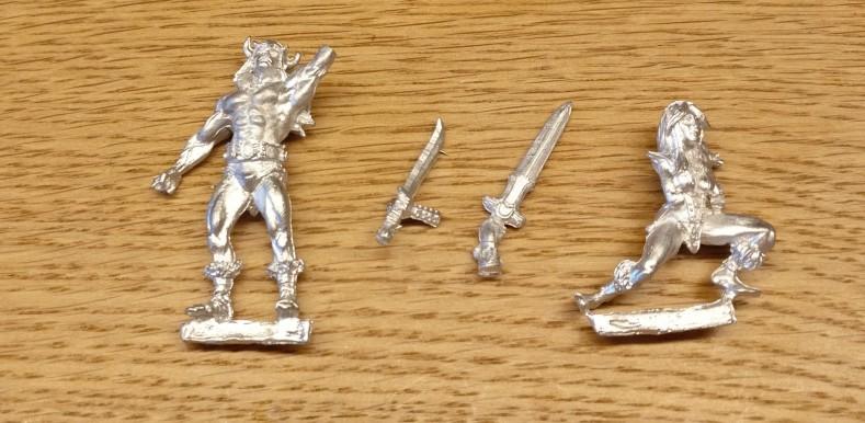 Es erinnert ganz schön an Conan der Barbar alias Arnold Schwarzenegger, was der Doncolor da bei Elladan erstanden hat.