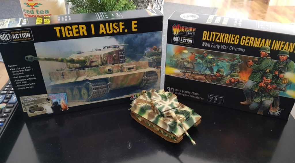 Bolt Action Tiger I Ausf. E Heavy Tank, Scale: 28mm - 1/56th Bolt Action Blitzkrieg German Infantry plastic boxed set