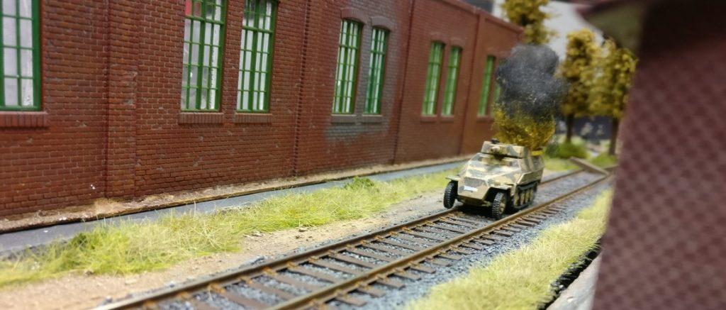 Still qualmt die Halbkette vor sich hin.  Hier werden sich gleich T-70 und T-34 vorarbeiten.