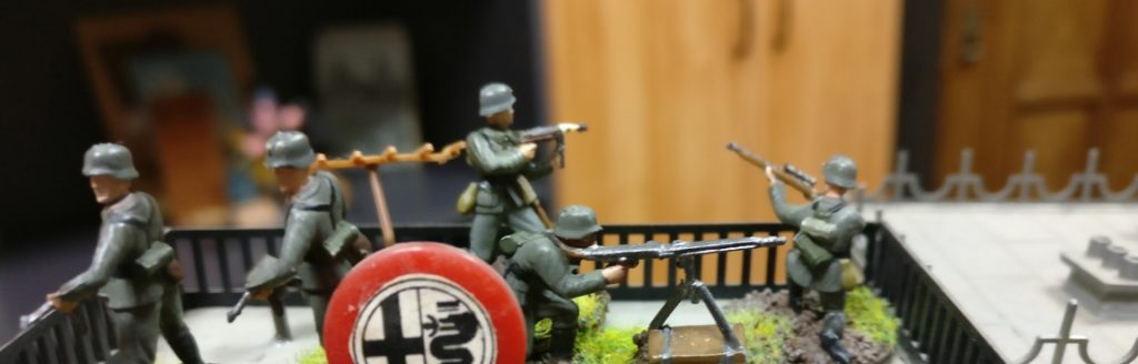 Auch auf deutscher Seite in Eisenstadt-Fritzvorstadt sind die Häuserzeilen besetzt.