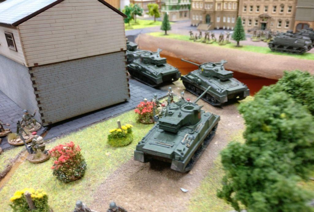 General Dominics Schörmis gehen zum Angriff über.