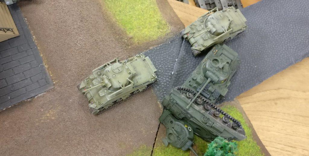 Dominics Tanks erreichen Eisenstadt-Tiefst. Gleich werden sie über die Brücke nach Eisenstadt-Fritzvorstadt vorstoßen.
