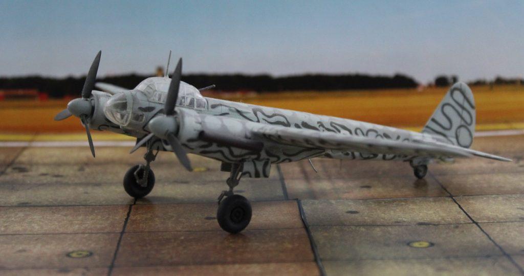 : Diese Junkers Ju 88 S-3 gehörte zu 1. Staffel des KG 66 und flog in der letzten Kriegsphase von Frankfurt/Main aus Einsätze gegen die vorrückenden Westalliierten. (Modell: die Ju 88 S-3 vom AMtech 72903)