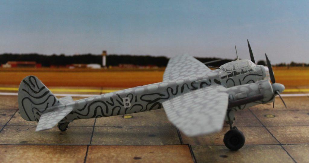 Der Tarnanstrich war speziell für Operationen in der Dämmerung und in größeren Höhen gedacht. (Modell: die Ju 88 S-3 vom AMtech 72903)