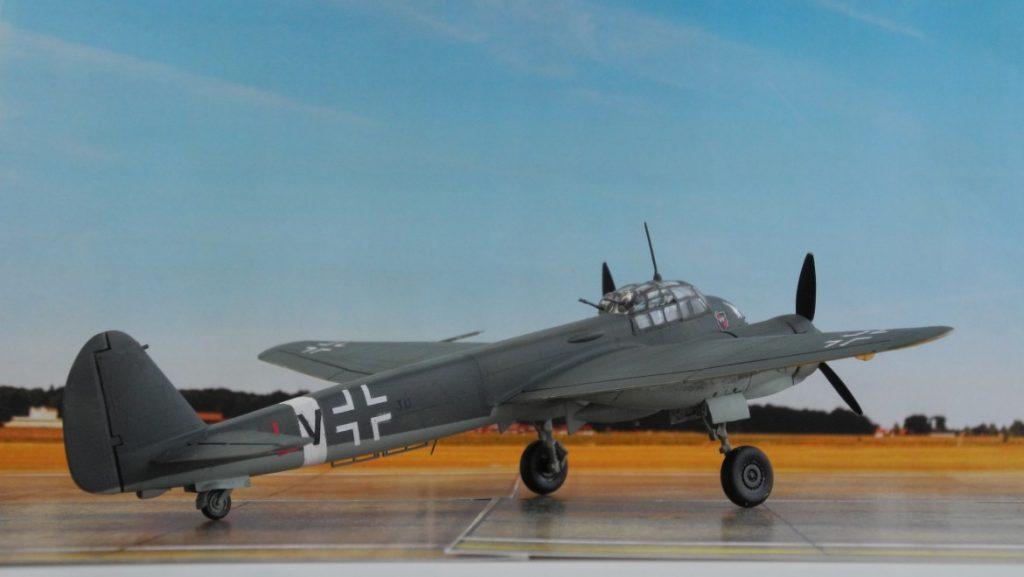 Der Tagjäger Ju 88 C-6 unterschied sich nur durch die Bewaffnung von der Bomberversion Ju 88 A-4. (Modell: Ju 88 C-6 von Italeri 022)