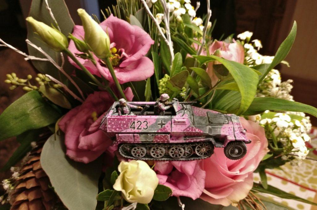 """""""Immer drauf und mitten rein"""" - das Motto des Pink Batallion."""