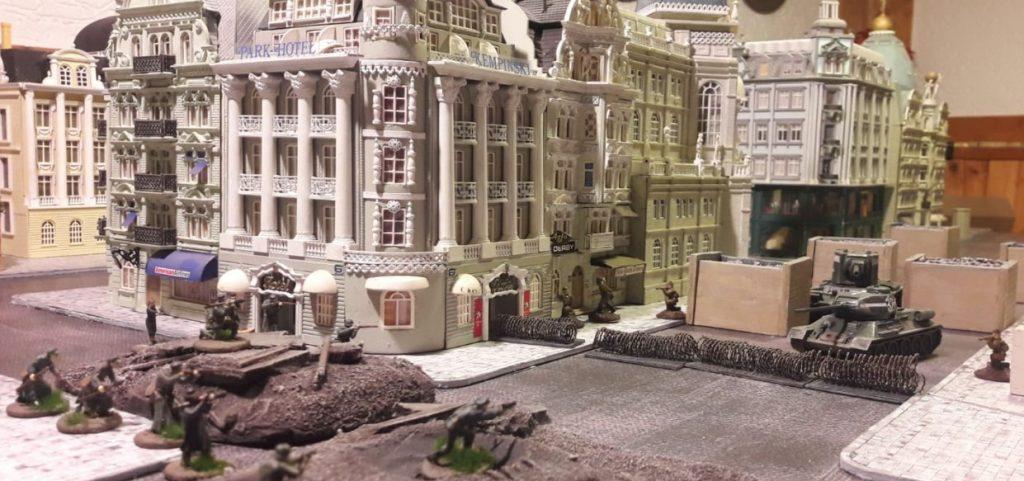 Dominic musste mal schnell eine Battle inszenieren. Da hatten sich auf der Königstraße ein paar T-34 gezeigt...
