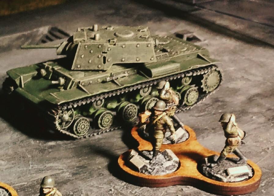 Und nen kleinen KV-I hatten die Russen auch noch in der Maschinenfabrik gefunden.