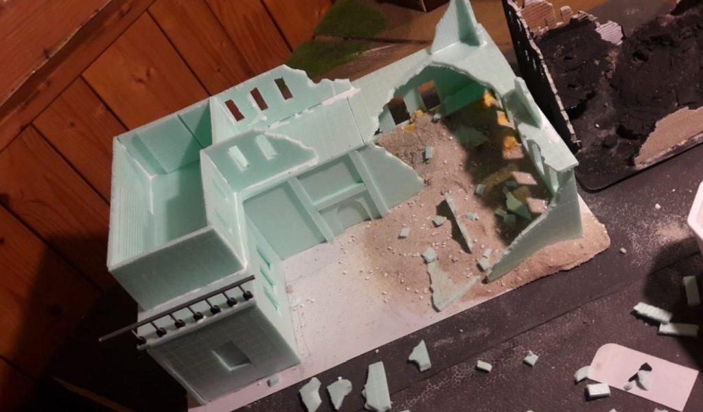 Und Dominic hat seine Maurerkolonne nochma nach Eisenstadt geschickt. Wir brauchen doch noch ein Gebäude mehr...